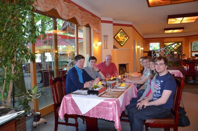 Stammtisch der JU im Mai, v.l.n.r. Erik Wilke, Dennis Hiemer, Uwe Harms MdL, Anne Sievert, Patrick Adler, Franziska Thiel und Eric Dörheit